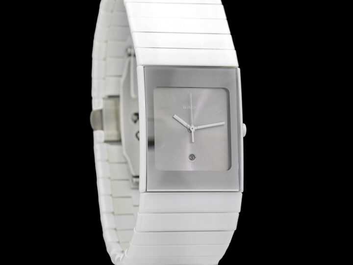 RADO WOMEN'S CERAMICA WATCH | 42 x 27 MM | R21587102 | 01.152.0587.3.010
