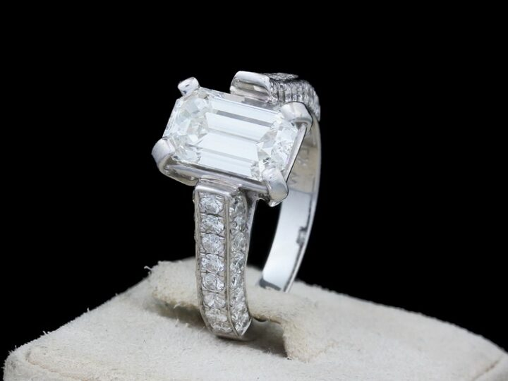 RING 18KT WEISSGOLD 49 BRILLIANTEN | EMERALD CUT = VS 2 | 2,42 CT | RG 51